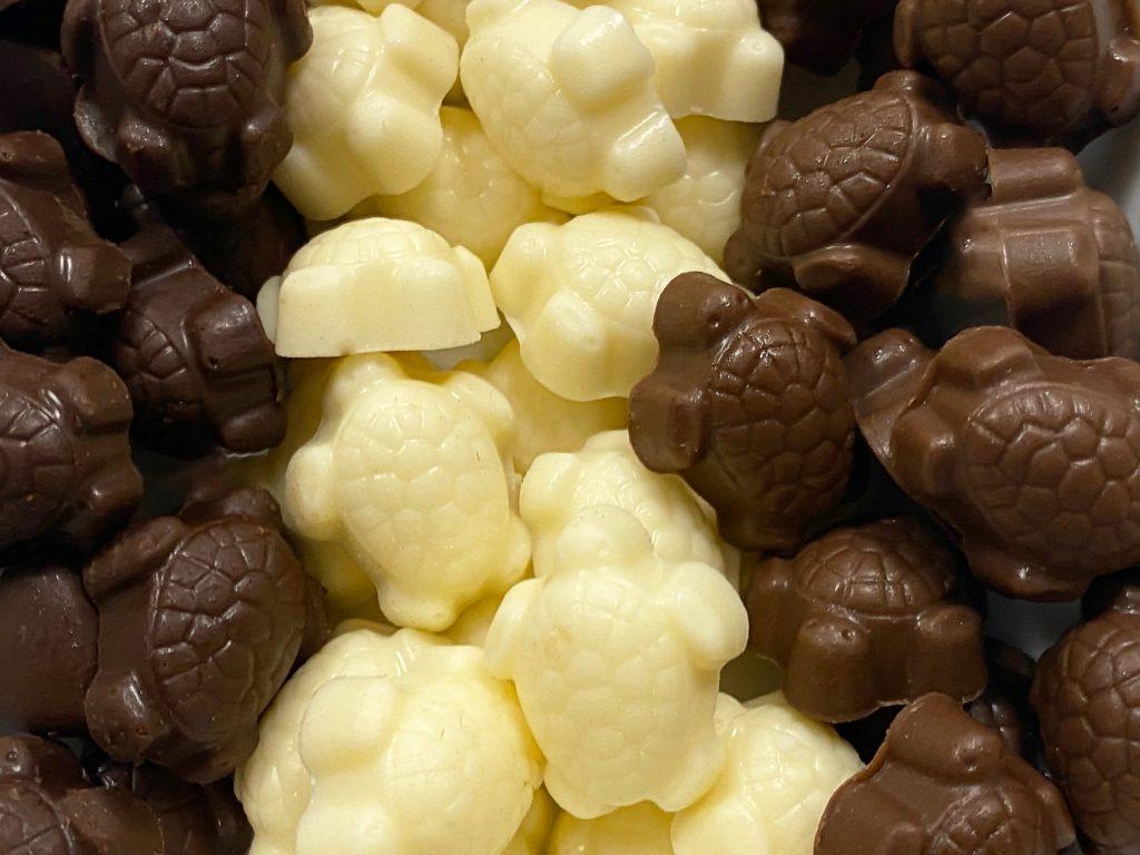 Pecan Deluxe introduce chocolate turtles